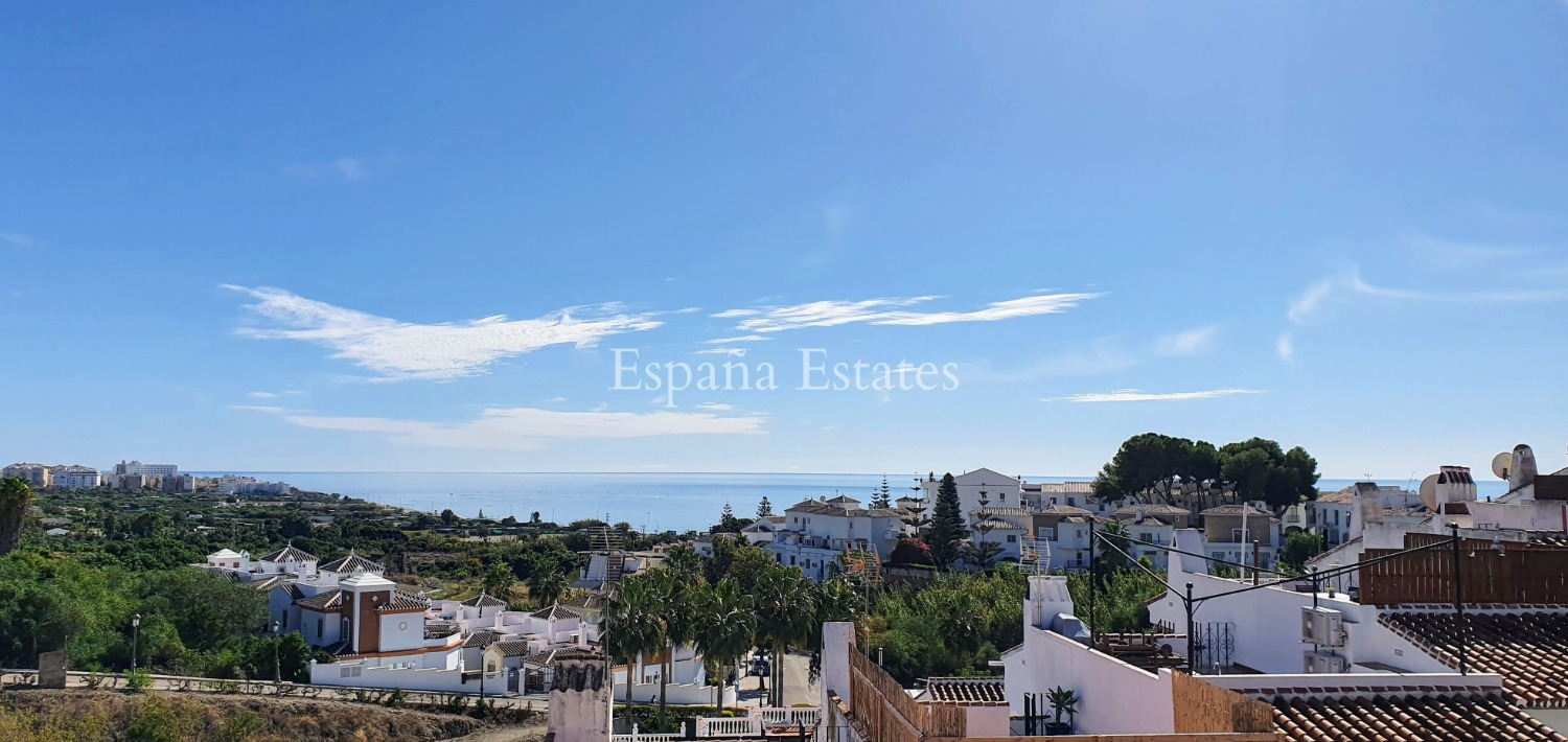 ¡Vistas al mar, roofterrace y piscina!